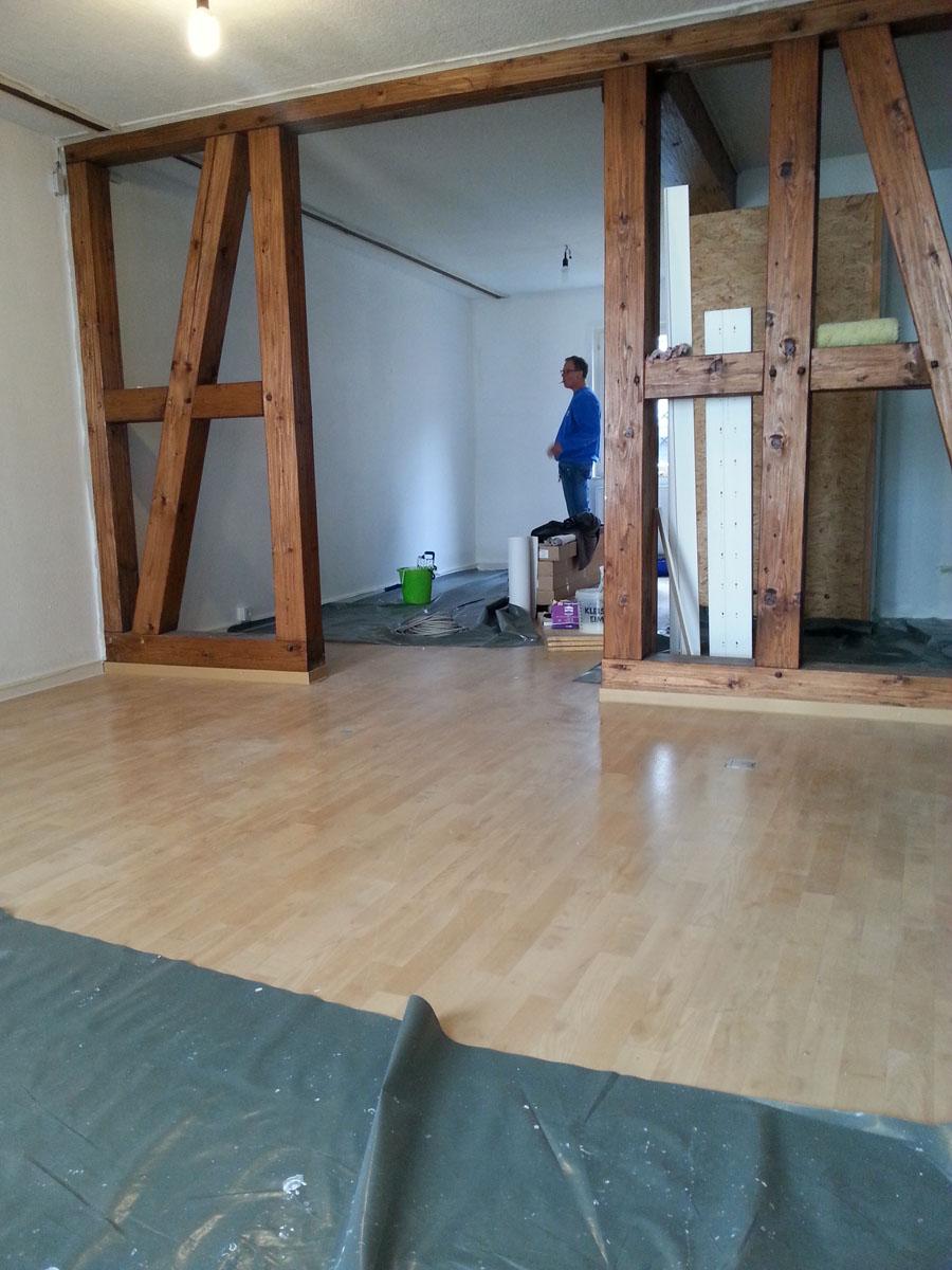 freiwillige helfer streichen die w nde und decken weilburger altstadtladen. Black Bedroom Furniture Sets. Home Design Ideas